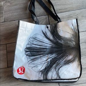 Lululemon recycle bag
